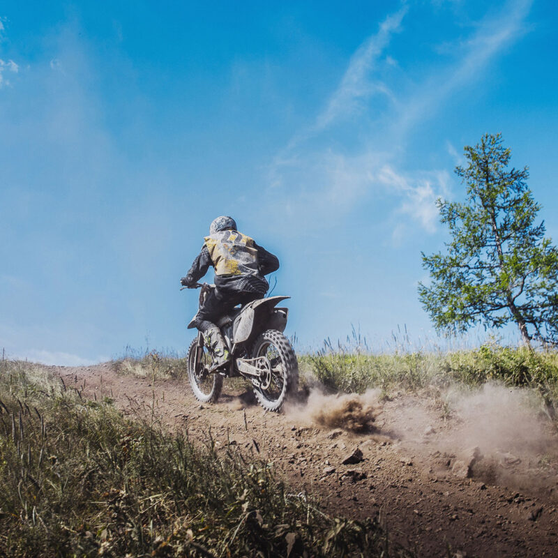 rider-going-uphill-PVXRK9X